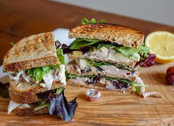 Sandwich kipsalade - matchu sports